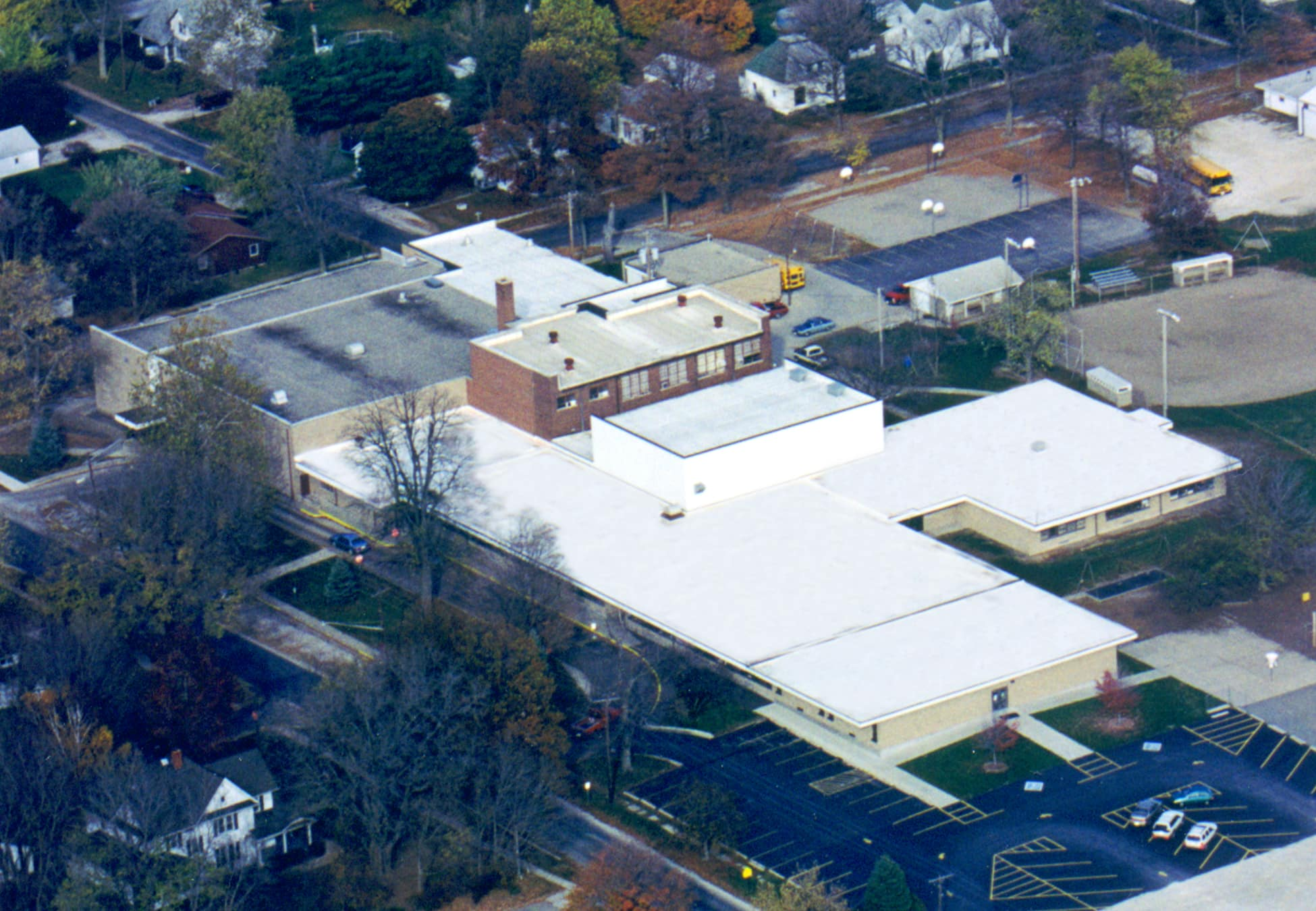Flat Roof - St. Joseph IL Grade School - Commercial Contractors Illinois